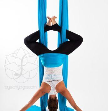 Bild Aerial Yoga Baddha Konasana