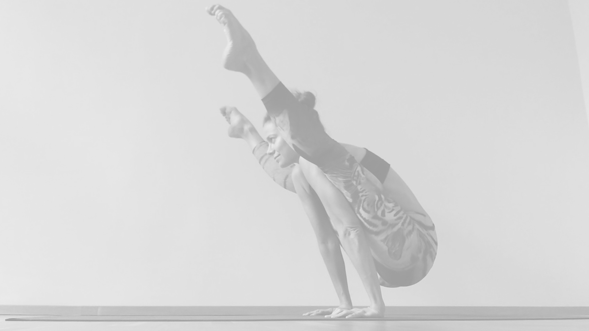 tittibhasana_fayechiyoga_yoga_firefly
